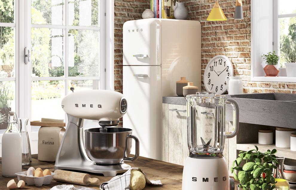 Kühlschrank Von Smeg : Smeg fab lrd autonome l d rot kühlschrank u kühlschränke