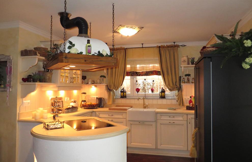 mediterrane landhausk chen. Black Bedroom Furniture Sets. Home Design Ideas